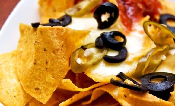 """Nachos caseros: un aperitivo de """"toma nacho y moja"""""""