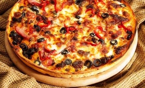 Pizza boloñesa con carne ya hecha