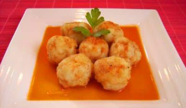 Alb ndigas de at n con salsa de tomate recet n - Guarnicion para albondigas ...