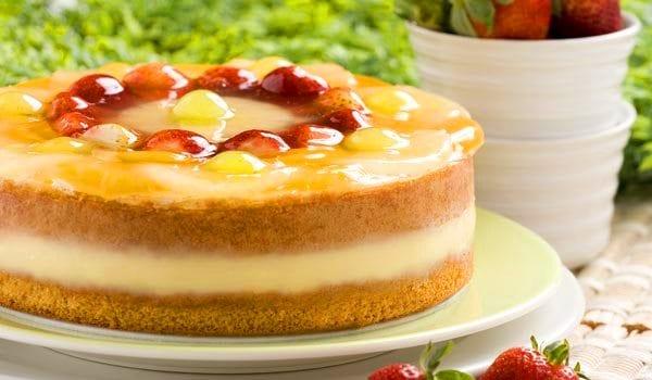 Tarta fría de melocotón: con más frutas, más colorida