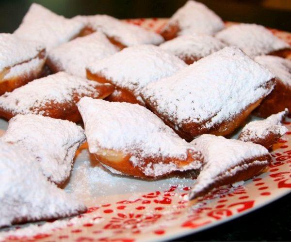 Fardelejos: dulces riojanos rellenos de exquisita crema de almendra