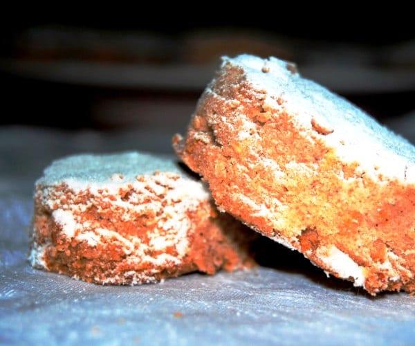 Mantecados como el pavo, con azúcar, canela y clavo