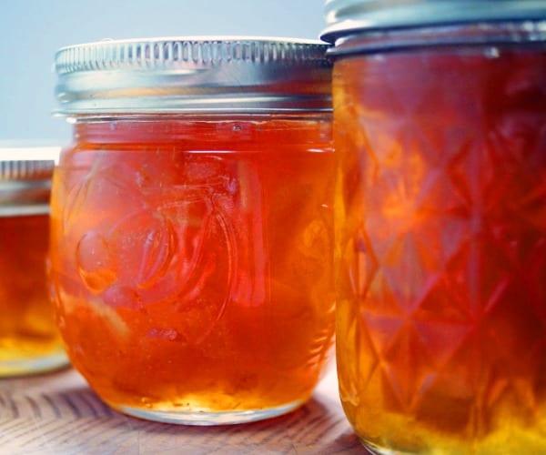 Mermelada de lemonquats (o de limón) con aroma de vainilla y licor de hierbas