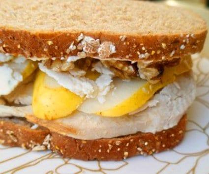 Sandwich de pavo, pera y gorgonzola