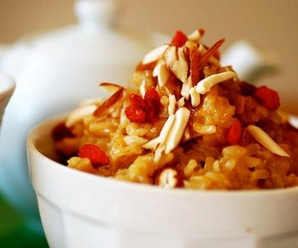 Vasito de arroz especiado con frutos secos