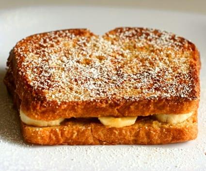 """""""French toast"""" de plátano y cacahuete, ¿un desayuno?"""