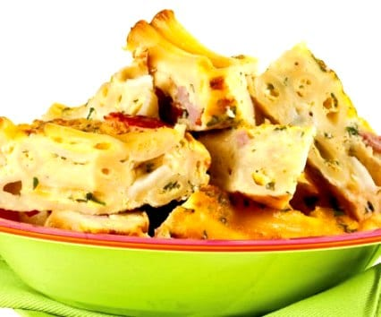 Tortilla al horno de macarrones y… ¿qué más le pondrás?