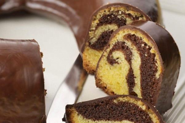 Bizcocho de chocolate mármol, versión rápida