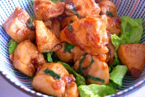 Wok de pollo a la albahaca