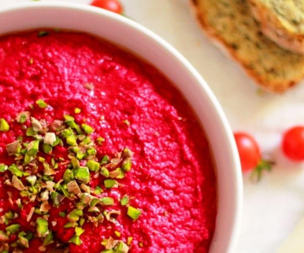 Hummus de remolacha: color y sabor
