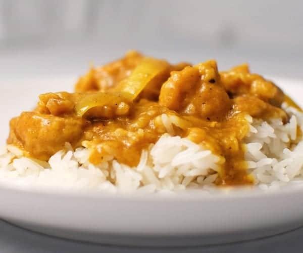 Pollo con curry en el micro rico y en un santiam n recet n for Como cocinar pollo al curry