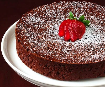 Tarta de chocolate SIN harina, SIN levadura