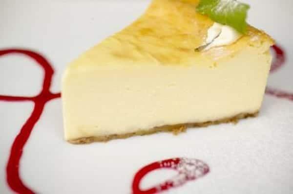 Tarta de queso y melón, fría y sin horno