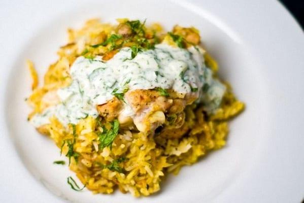 Pollo biryani, con arroz especiado