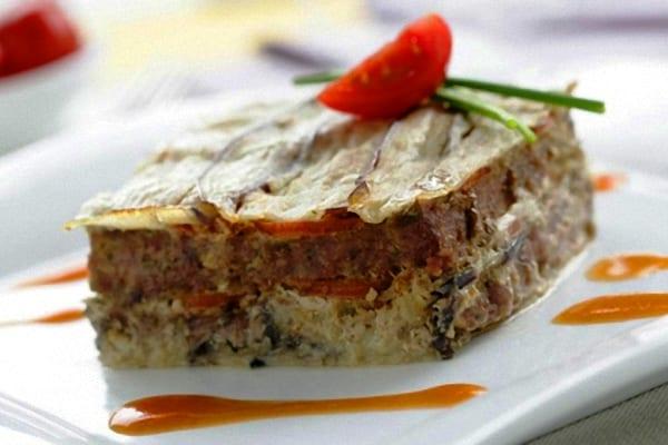 Timbal de duquesa o pastel de patatas y carne