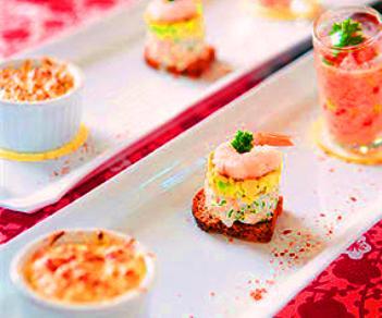Trilogía de mariscos en aperitivo (cebiche, tartar y chupito)