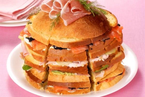 Gran pastel salado: surtido de aperitivos fríos