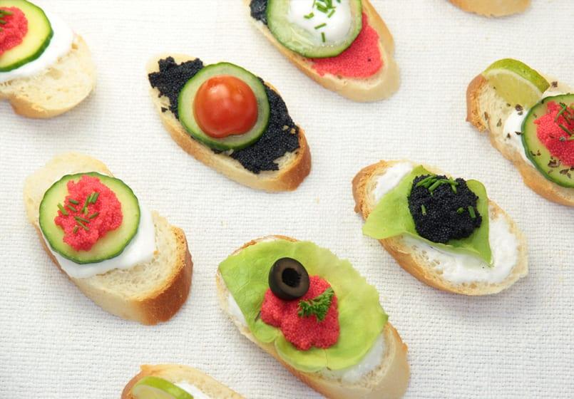 Surtido de canapés para Nochevieja: todos con verduras