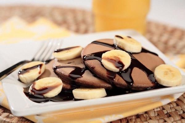 Crepes de chocolate y pl tano recet n for Como hacer crepes de chocolate