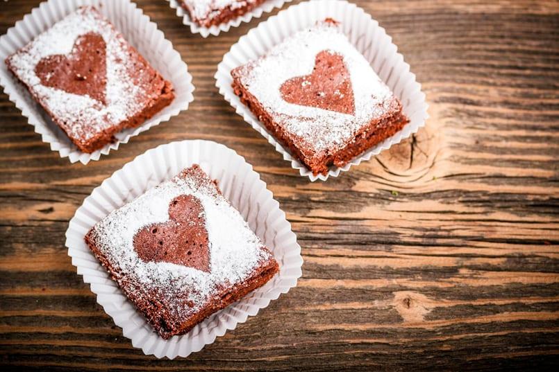 Brownie clásico de forma romántica