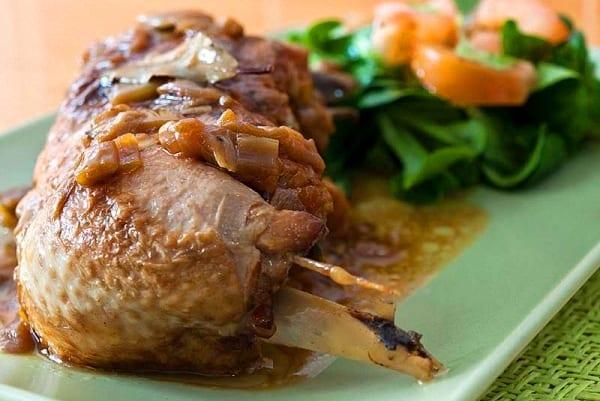 Pollo al vino dulce, un guiso casero