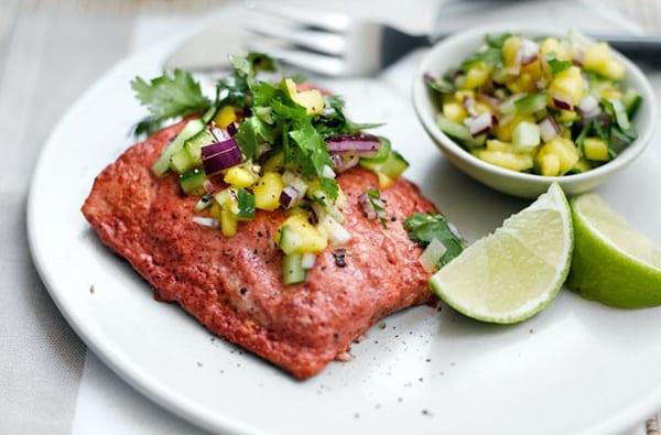Salmon tandoori, con salsa especiada