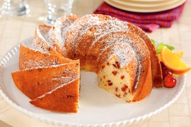 Bundt cake de queso con arándanos
