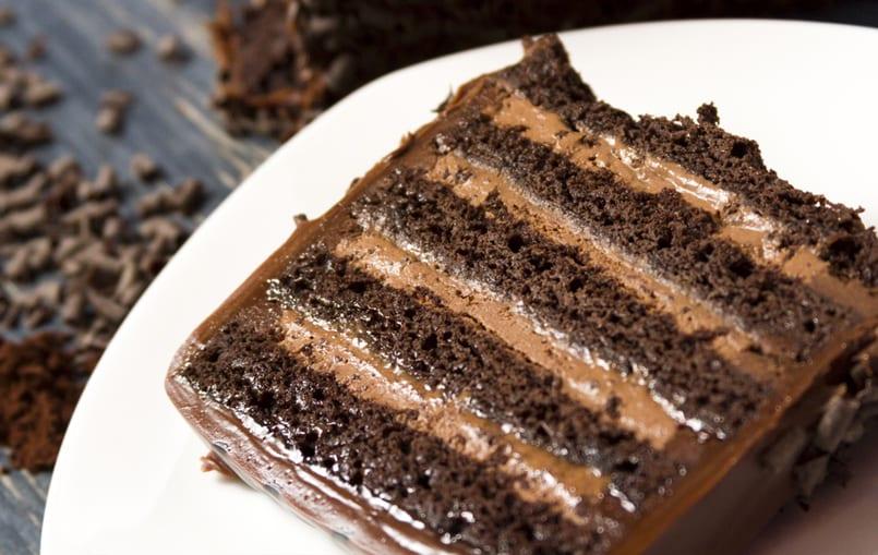 Layer cake: tarta de galletas con natillas y chocolate