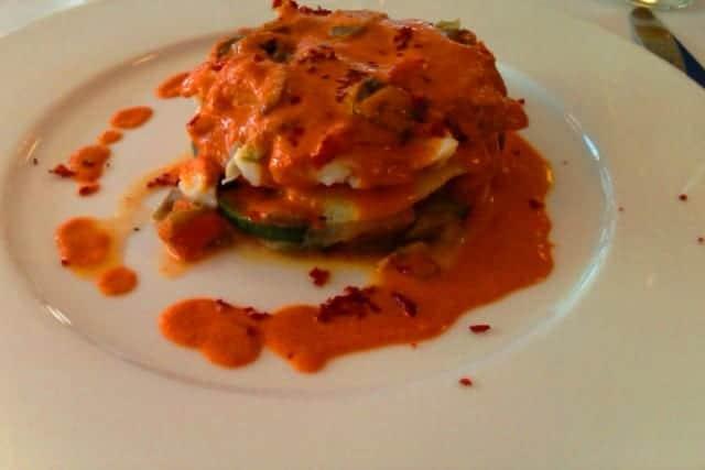 Milhojas de bacalao y verduras