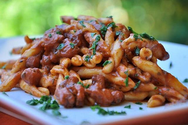 Pasta con salsa de pulpo cocina maltesa recet n for Primi piatti pesce