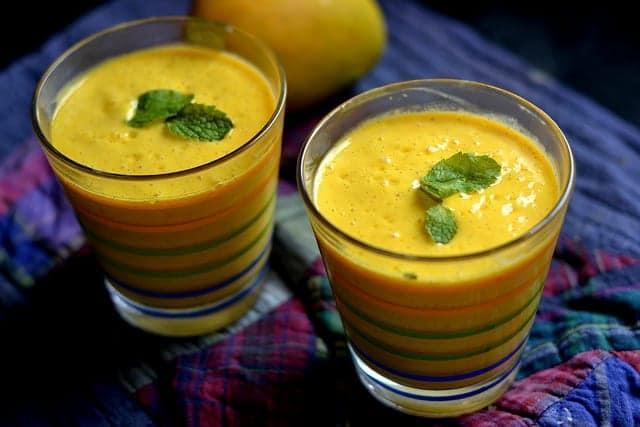 Lassi de mango: un batido sencillo y refrescante