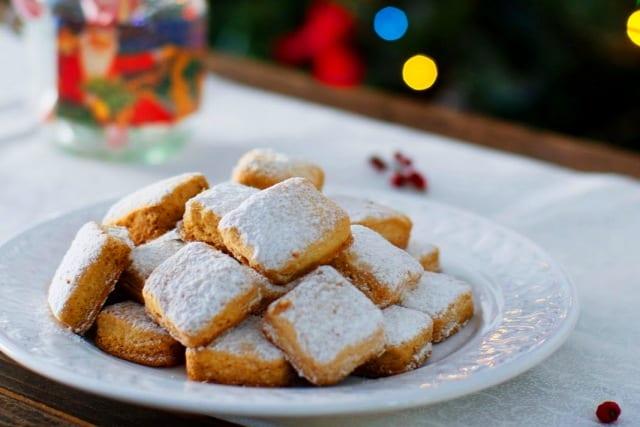 Hojaldrinas navideñas de naranja y vino blanco