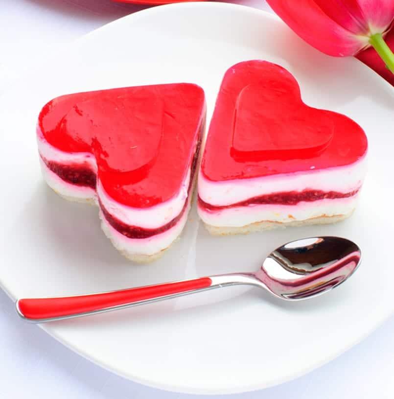 Tarta de queso fácil en forma de corazón para San Valentín