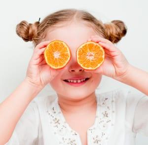 Trucos para conseguir que los niños coman más fruta