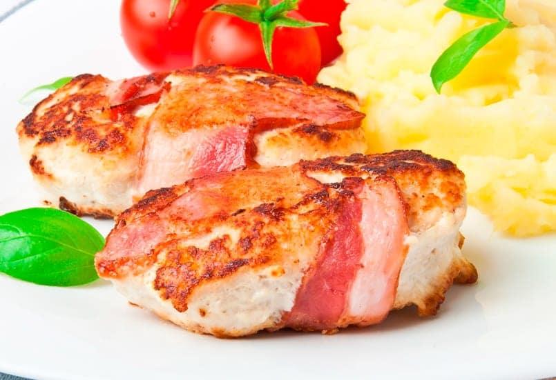 Filetes de pollo rellenos de queso al horno
