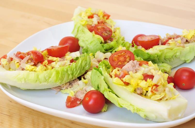 Ensalada de cogollos con at n y tomatitos cherry recet n for Cenas originales