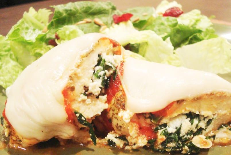 Pechugas de pollo al horno rellenas de espinacas y for Maneras de cocinar espinacas