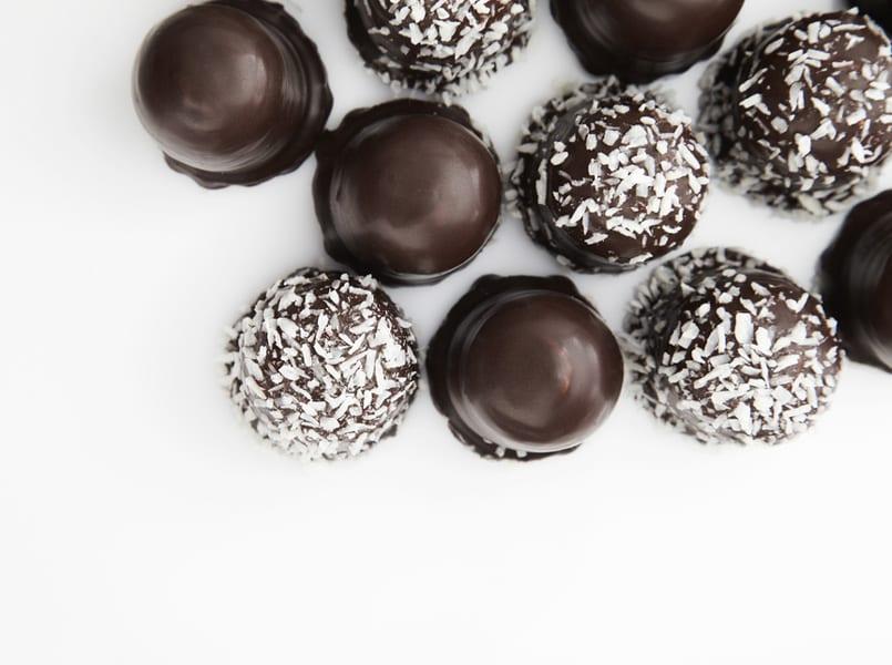 Dulces de Navidad: Bolitas de coco chocolateadas