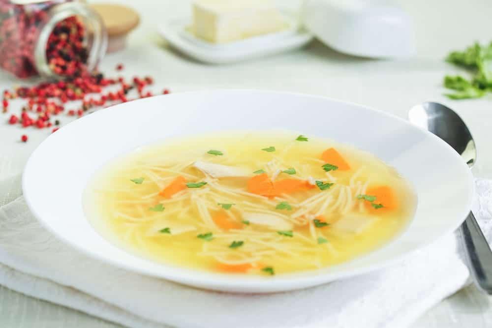 Sopa de cocido, ¡riquísima para el frío!
