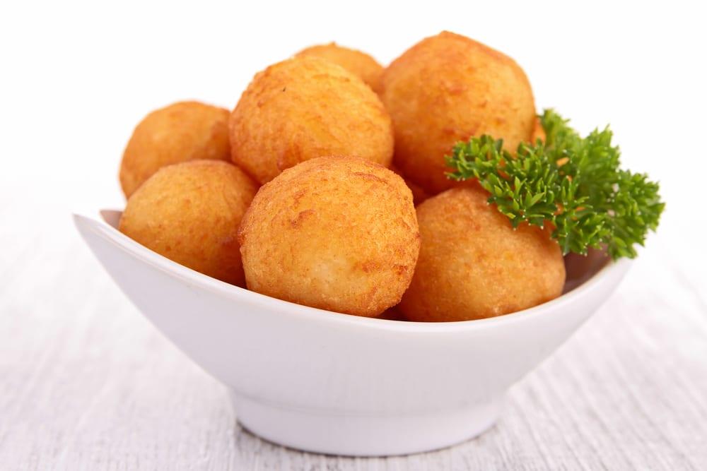Bolitas pur de patata hechas con sobras recet n - Pure de patatas y calabaza ...