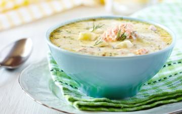 Sopa de salmón y gambas, bien calentita
