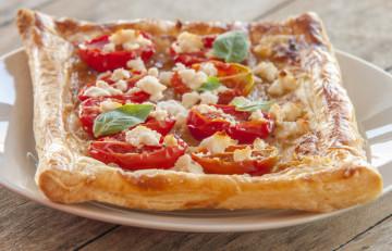 Tartas de tomate con queso ricotta