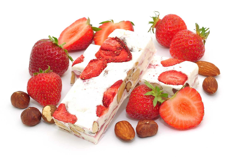 Turrón casero de yogurt y fresas