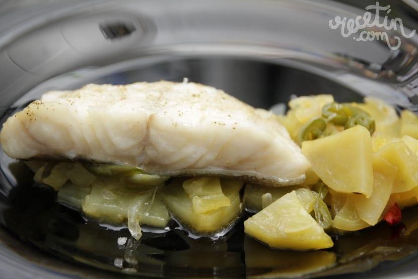 F cil sano y sencillo bacalao al horno con patatas y for Cocina bacalao con patatas