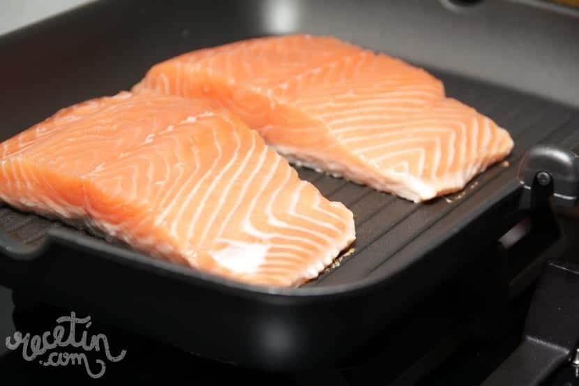 C mo cocinar salm n a la plancha para que quede en su punto for Cocinar pez espada a la plancha