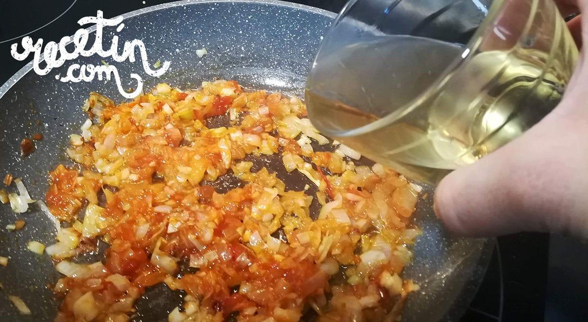 albondigas-en-salsa-española-al-horno
