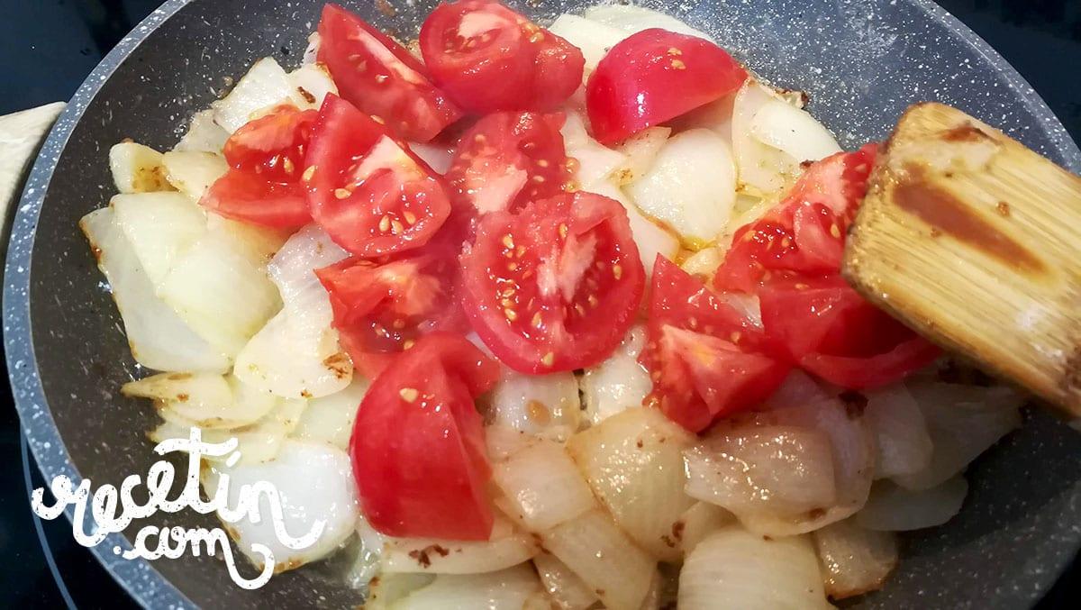 carne en salsa con setas
