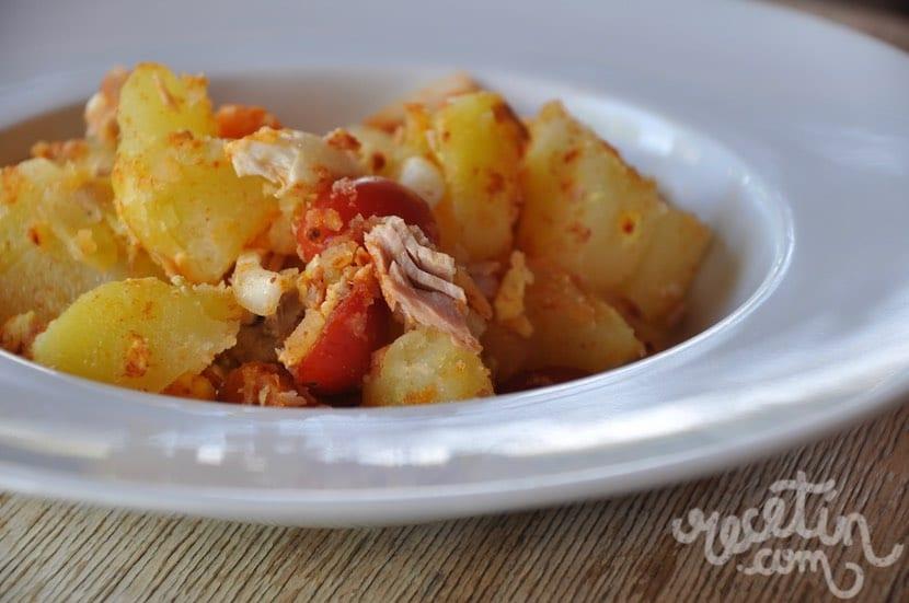 Ensalada de patata con pimenetón, un plato para toda la familia