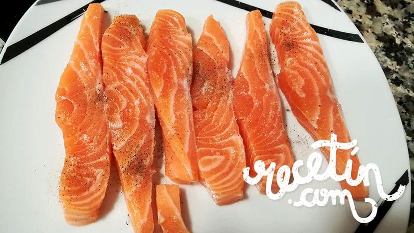 palitos de salmón rebozado con salsa tártara