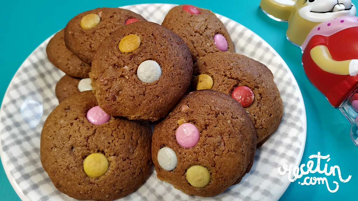 galletas de mantequilla con lacasitos